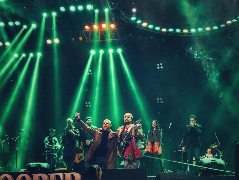SooperJunoon - Hunoon performing on the stage
